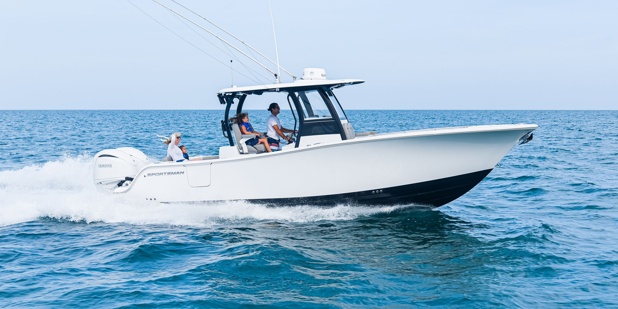 The all-new Open 282TE running on the water.