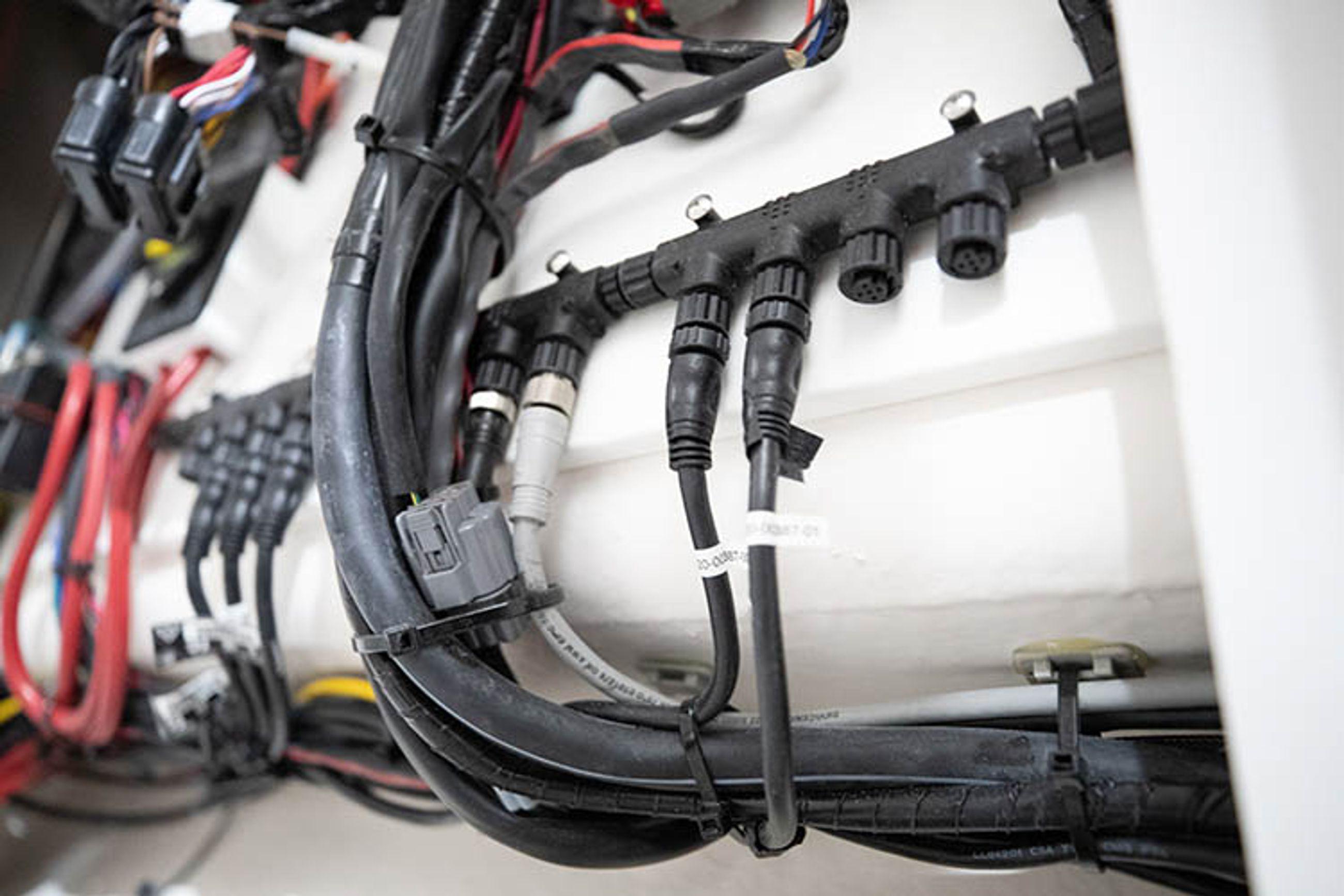 Detail image of NMEA 2000 Backbone